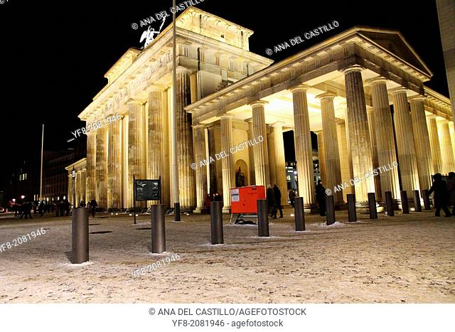 Berlin Brandenburg gate at night Germany