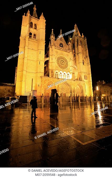 Gothic cathedral at night, Leon, St James Way, Spain
