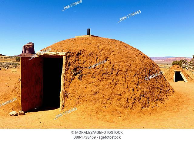 USA, Arizona, Monument Valley Tribal Park, Navajo Indian reservation, desert scenery , hogan