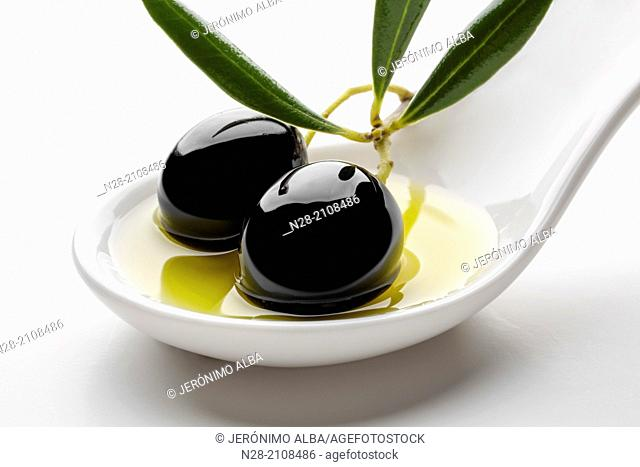 Black olives olive oil