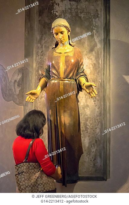 Australia, Queensland, Brisbane, Central Business District, CBD, St. Stephen's Cathedral, inside, interior, statue
