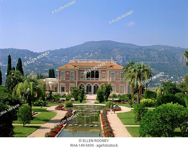 Musee Ephrussi de Rothschild and gardens, Cap Ferrat, Cote d'Azur, Provence, France, Europe