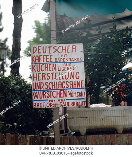 Deutsche Küche in San Marino, Republik San Marino 1980er Jahre. German kitchen in San Marino, Republic of San Marino 1980s