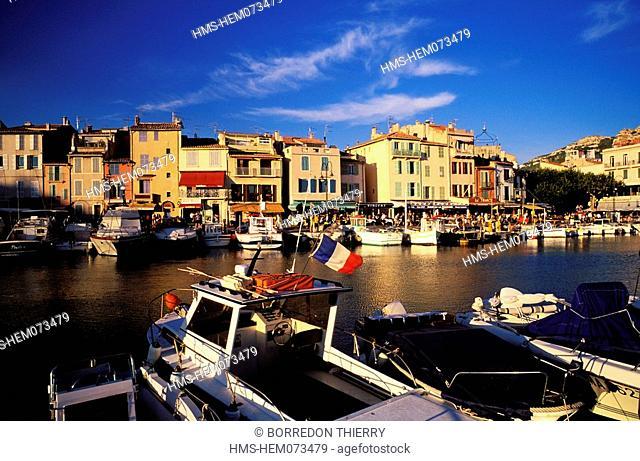 France, Bouches du Rhone, Cassis Harbour