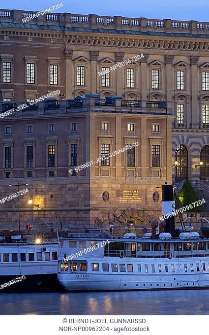 Vaxholmsbatar framfor Stockholms slott