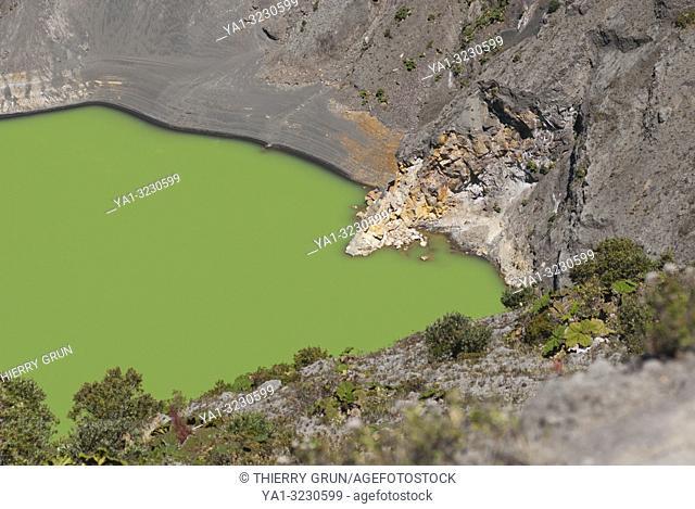 Costa Rica. National park Volcan Irazu, Diego de la Haya crater and lake