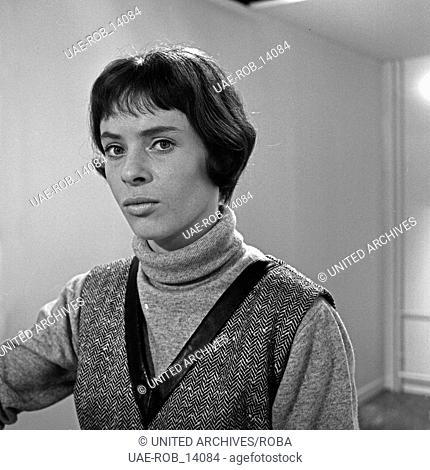 Wilhelmsburger Freitag, Sozialdrama, Deutschland 1964, Regie: Egon Monk, Darsteller: Ingeborg Hartmann
