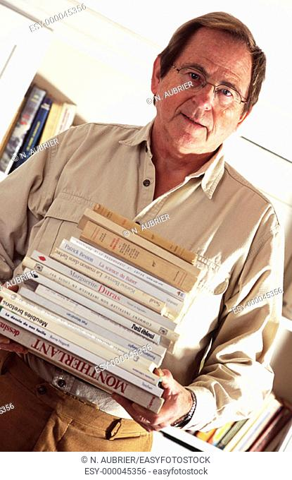 Mature man and books