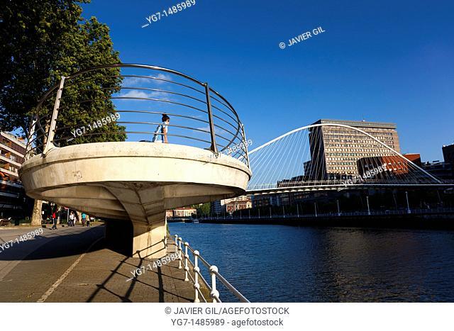 Zubizuri bridge, Abandoibarra, Bilbao, Bizkaia, Spain
