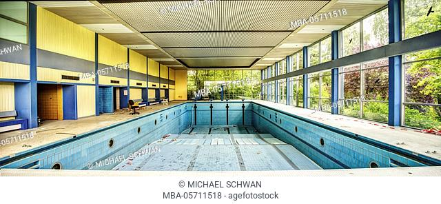 abandoned swimming pool as a panorama