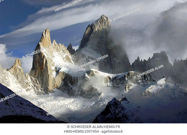 Argentina, Patagonia, Santa Cruz province, Mont Fitz Roy seen from a distance, Cerro Fitz Roy or Monte Fitz Roy, is a mountain (cerro) located near the El...