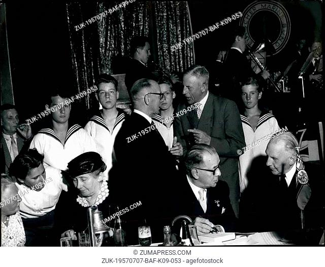 Jul. 07, 1957 - A commemoration for the victims from the training-ship 'Niobe': Admiral Dr. H.C. Reader was one of the prominent guests at the commemoration for...