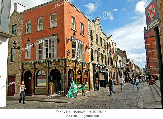 Temple Bar cultural quarter. This area is a hive of activity where artists, designers and young entrepeneurs with creative ideas have set up small art galleries