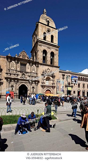 BOLIVIA, LA PAZ, 27.09.2011, San Francisco Church, founded in 1548 and rebuilt 1784, Iglesia de San Francisco and plaza, La Paz, Bolivia, South America - La Paz