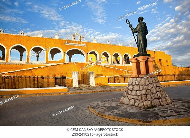 Monastery, Convent Of San Antonio De Padua with the statue of Diego de Landa in the foreground, Izamal, Yucatan, Yucatan Province, Mexico, Central America