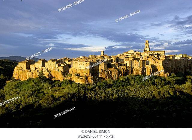 Italy, Tuscany, Pitigliano, Cityscape