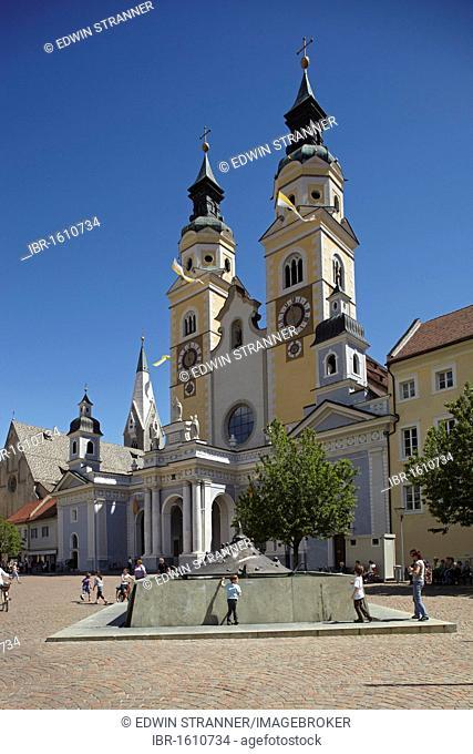 Dom Mariae Aufnahme in den Himmel und St. Kassian zu Brixen cathedral, old town, Brixen, South Tyrol, Italy, Europe