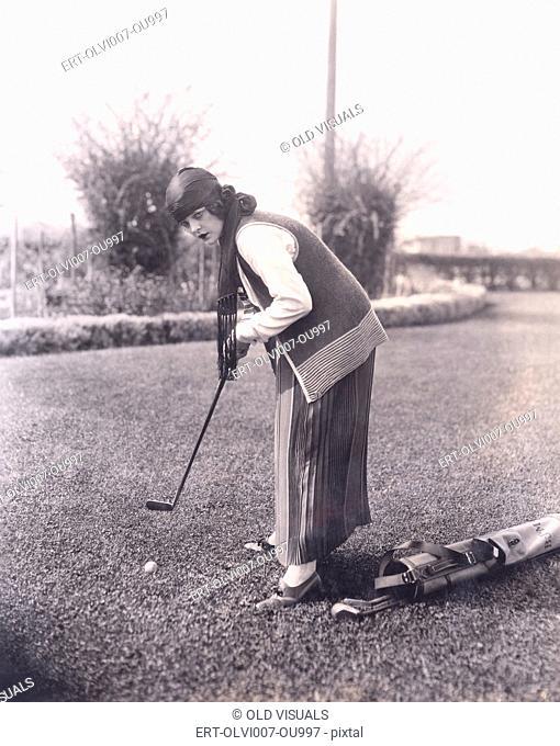 Golf practice (OLVI007-OU997-F)