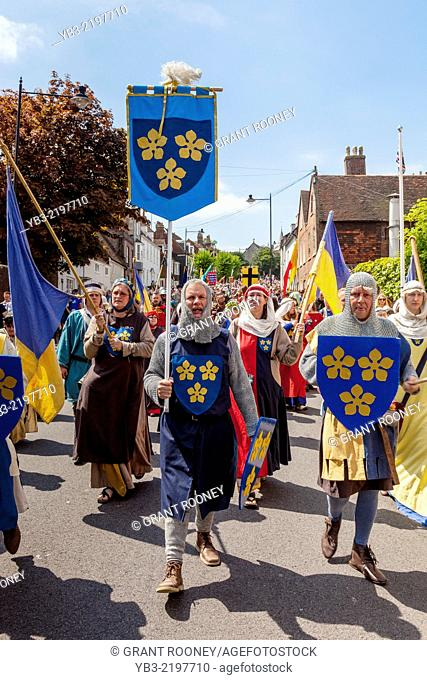 Local People In Medieval Costume Commemorate The 750th Anniversary of The Battle Of Lewes, Cliffe High Street, Lewes, Sussex, England