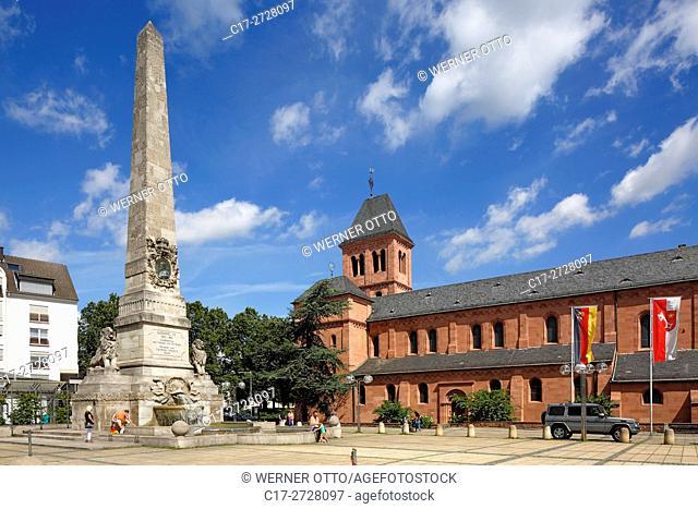 Germany, Worms, Rhine, Upper Rhine, Rhenish Hesse, Rhine-Neckar area, Rhine-Main district, Rhineland-Palatinate, Ludwig Monument on the Ludwigsplatz in honour...