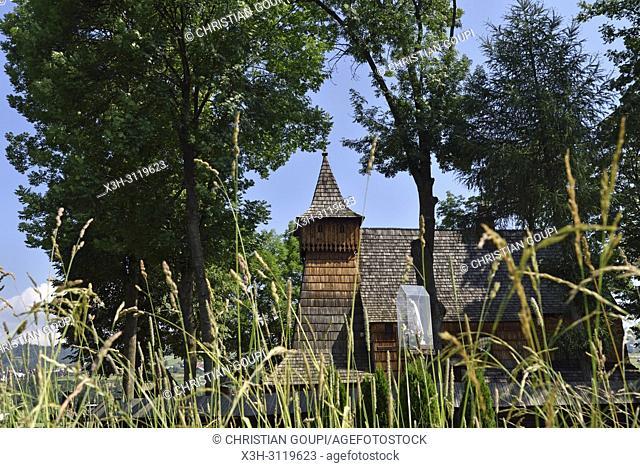 eglise en bois du XV eme siecle a Debno, Comte de Nowy Targ, Province Malopolska (Petite Pologne), Pologne, Europe Centrale/St