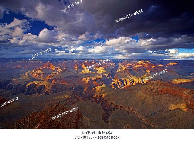 View from Javapai Point across the Grand Canyon, South Rim, Grand Canyon National Park, Arizona, USA, America