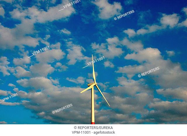 Alternative energy, wind turbines in Wallonia; Energie alternative,eoliennes en Wallonie;alternatieve energie,windmolen Reporters / EUREKA