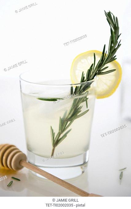 Cocktail with lemon slice