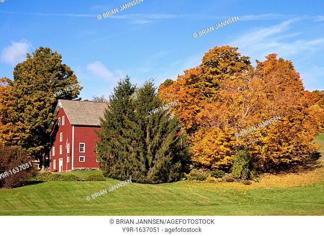 Barn in Autumn near South Woodstock, Vermont, USA