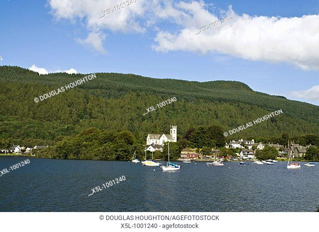 Loch Tay KENMORE PERTHSHIRE Kenmore church and yacht boats anchorage Loch Tay lochside