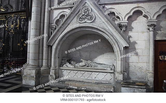 PAN. CU. Interior, North Aisle, east side: Funerary monument to Gerard de Conchy, and Chapel of St. Peter or of St. John of the Vow