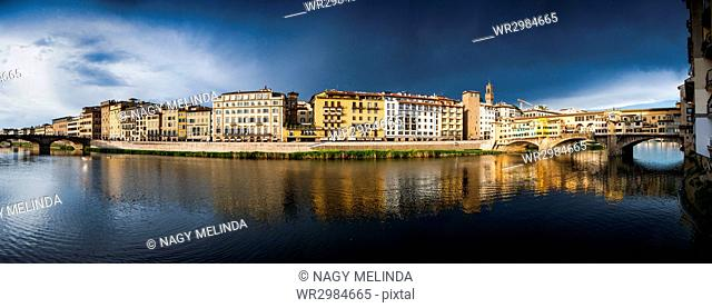 Florence panorama on the banks of the Arno River, Florence, Tuscany, Italy, Europe