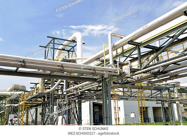 Germany, Saxony-Anhalt, pipelines in an oil refinery