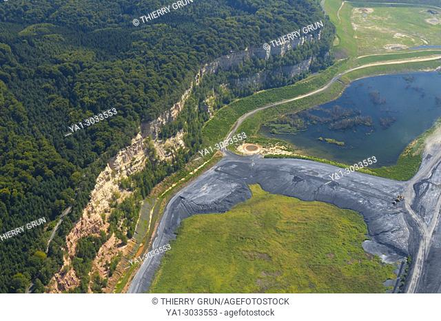 France, Moselle (57), Freyming Merlebach, old former sand quarry Barrois restored in natural area (aerial view)