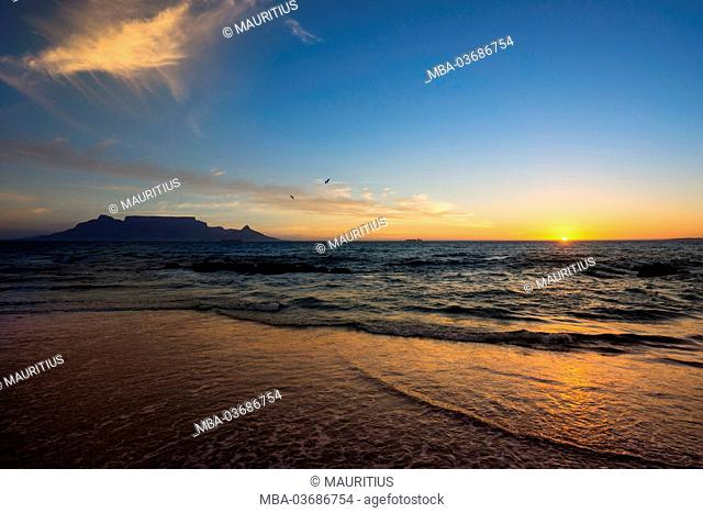 South Africa, Cape Town, Table Mountain at sundown