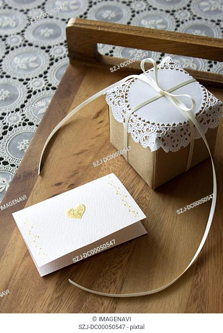 Message card and a gift box