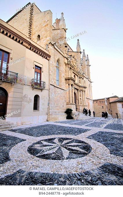 Baroque church of Santa Maria 14 century in Montblanc, Capital of the comarca Conca de Barberà, in the Catalan province of Tarragona. Catalonia. Spain