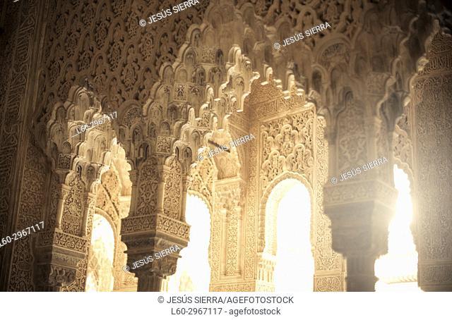 Columns, Patio de los Leones, Alhambra, Granada, Andalucia, Spain