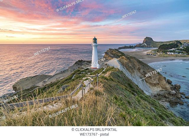 Castlepoint lighthouse at dawn. Castlepoint, Wairarapa region, North Island, New Zealand