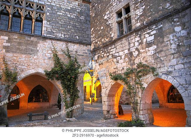 France, Nouvelle-Aquitaine, Perigord, Dordogne, Monpazier. Bastide classified as one of the most beautiful villages in France