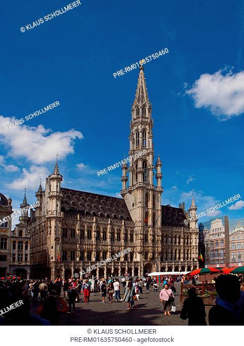 Grand-Place with Town Hall, Brussels, Belgium, July 2015 / Der Grand-Place mit dem Rathaus, Brüssel, Belgien, Juli 2015