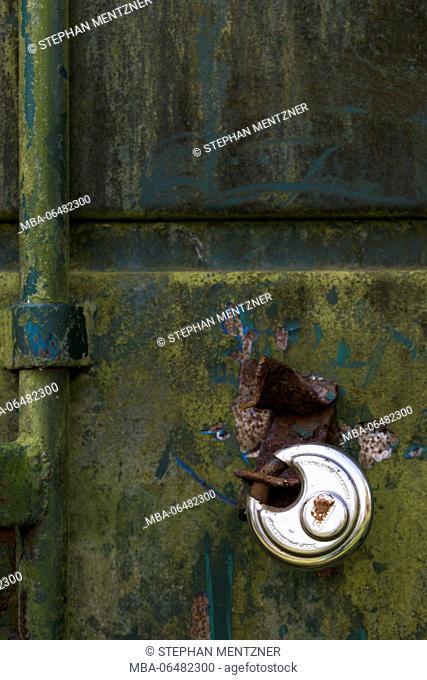 Container door, old, patina, padlock, new, contrast