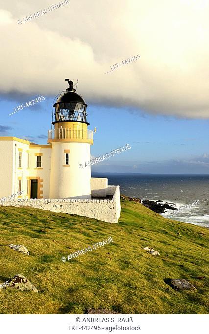 Stoer Head Lighthouse above Atlantic Ocean, Stoer Head, Highland, Scotland, Great Britain, United Kingdom