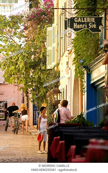 France, Var, Saint Tropez, Rue du clocher