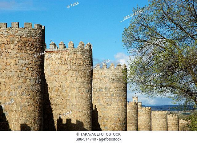 Paseo de la Ronda Vieja. Wall (XIth century). Ávila. Castilla y Leon. Spain
