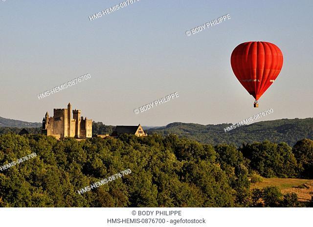 France, Dordogne, Perigord Noir, Dordogne valley, Beynac et Cazenac, labelled Les Plus Beaux Villages de France (The Most Beautiful Villages in France)