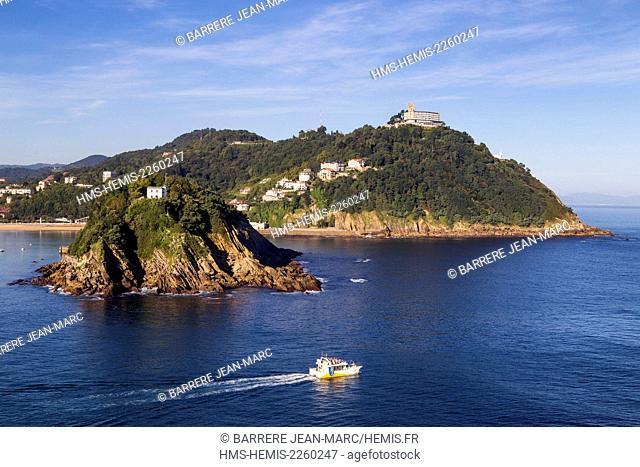 Spain, Basque Country, Guipuzcoa province (Guipuzkoa), San Sebastian (Donostia), European capital of culture 2016, view from Urgull Mount, La Concha Bay