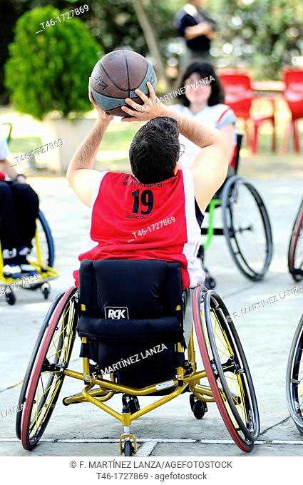BASKETBALL IN WHEELCHAIR