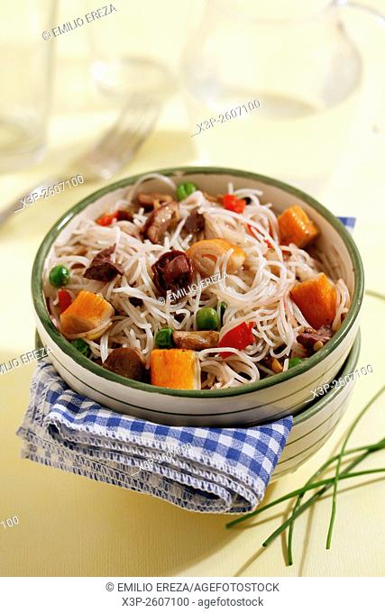 Rice noodles with crab and mushrooms