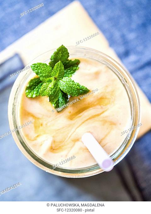 Vegan banana-avocado-strawberry smoothie